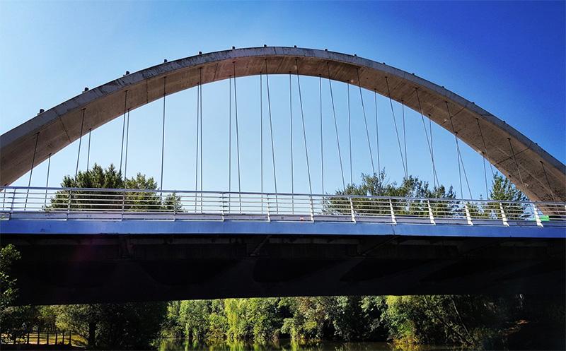 Puente de arco atado
